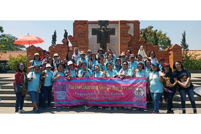 Ziarah Rekreasi PIKAT Gregorius ke Taman Doa Regina Rosari - Cirebon